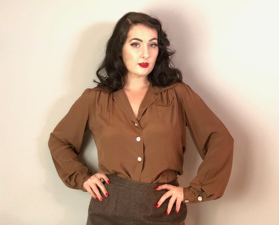 1940s Cheshire Grin Blouse | Vintage 40s Chestnut Brown Rayon Button-Up Shirt w/Smile Pocket Ruched Sleeves & Double Button Cuffs | Large