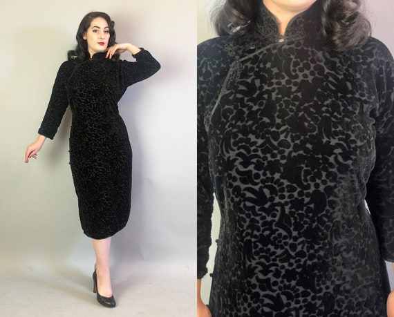 1930s Floral Burnout Cheongsam | Vintage 30s Evening Qi Pao Dress in Black Silk Velvet with Pattern | Large