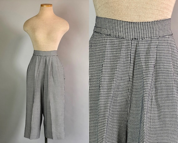 Vintage 1950s Clam Diggers | 50s Navy and Cream Houndstooth High Waisted Cotton Pants Capris Trousers with Pockets! | Extra Small XS