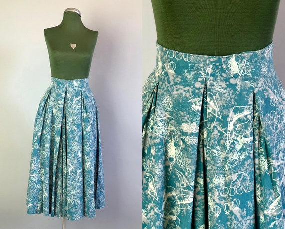 Vintage 1940s Skirt | Teal Blue & Mint Green Acid Wash Novelty Print Cotton Skirt w/Double Inverted Box Pleats and Pockets! | XS Extra Small