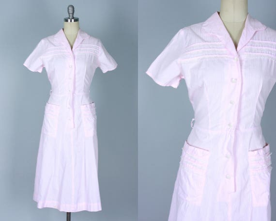 Vintage 1940s Dress   40s Light Pink Short Sleeve Shirtwaist Cotton Day Dress with Lace Trim and Cute Rounded Collar and Pockets!   Medium
