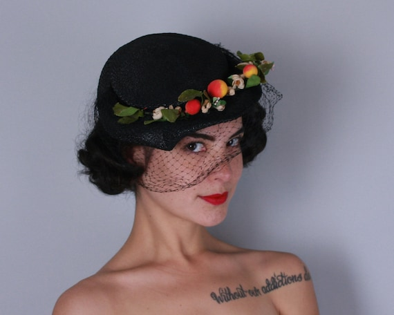 1940s 1950s Black Straw Hat | Vintage 40s 50s Glossy Black Straw Hat with Peach Floral Bough Trim and Veil