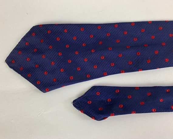 """1940s Polka-Dot Kiss Necktie 