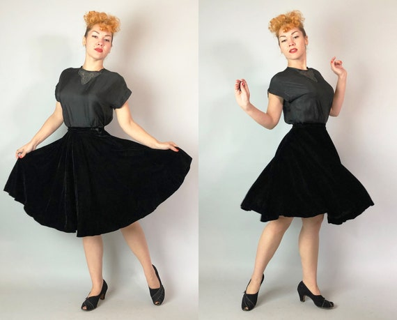 1940s Black Velvet Skirt | Vintage 40s Knee-Length Dancer and Figure Skater Full Skirt by 'Colony Casuals of California' | Extra Small XS