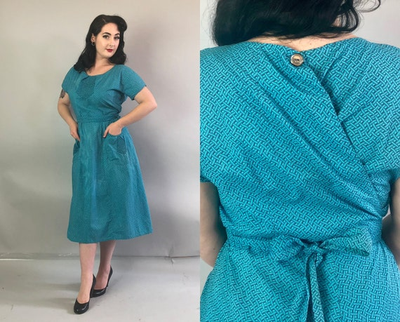 1940s Teal Swirl Dress | Vintage 40s Volup Blue Cotton Wrap Dress w/ Lattice Print Large Front Pockets & Shirring Detail | Extra Large XL