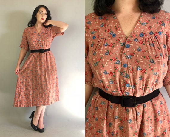 1930s Floral Pattern Dress | Vintage 30s Cotton Dusty Rose Pink with Red, Blue, White and Green Shirtwaist Day Dress | Extra Large XL Volup