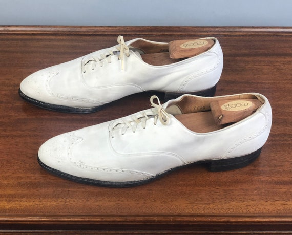 """1930s Mens White Buckskin Shoes 