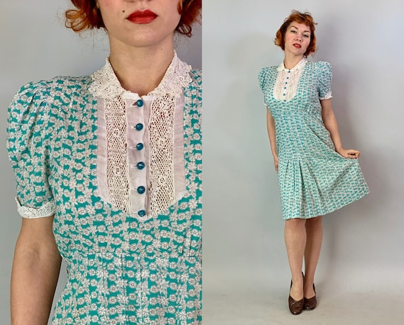 1930s Farmers Darling Daughter Frock | Vintage 30s Turquoise Green & White Flower Print Cotton Floursack Dress w/ Irish Crochet Lace | Large
