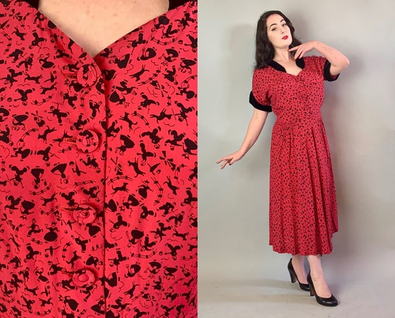 1940s Dutch Townsfolk Dress   Vintage 40s Bright Pink and Black Cold Rayon Novelty Print Frock with Velvet Cuffs and Half Collar   Large