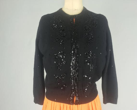 Vintage 1950s 1960s Sweater   Black 50s 60s Lambswool Cardigan with Floral Motif Jet Black Sequins and Beading   Medium