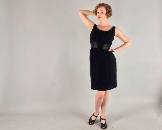 Vintage 1950s 1960s Dress | 50s 60s Black Crinkle Silk Scoop Neck Sheath Cocktail Dress with Wide Satin Waistband LBD | Medium