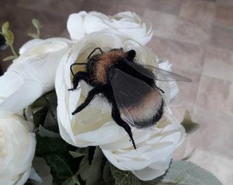 Feutrée à l'aiguille Bumble Bee