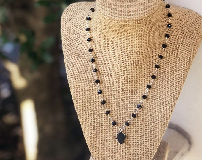 Black Hamsa Druzy Choker/ hamsa necklace / Black and Silver Beaded choker/ hamsa choker / druzy hamsa charm / Hamsa necklace