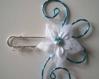 back train, train, turquoise blue scarf clip brooch clip / white wedding bridal evening party