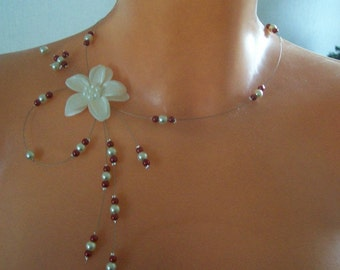 Bridal necklace wedding party ceremony Christmas beads ivoire(ou blanche) / Burgundy flower satin (white)