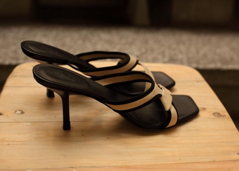 7a17dd30f121 Vintage GUCCI Sandals Beige black