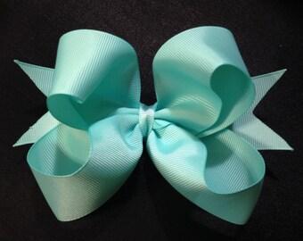 """Boutique Basics - 3.5"""" Twisty Bow"""