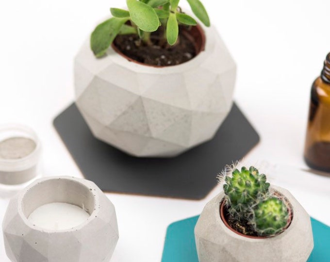 Geodesic Sphere Concrete Planter, Large//Geometric Planter//Cactus Planter//Succulent Planter