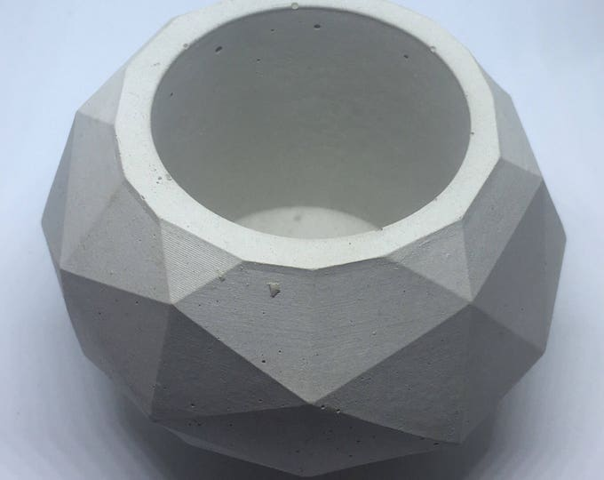 Geodesic Sphere Concrete Planter, Large//Geometric Planter//Cactus Planter//Succulent Planter