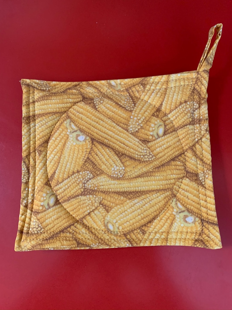 Potholders set of 2 cotton quilted Colorful Corn  Print hot pads 3 layer insulation /& hanging loop Makes a Great Gift Handmade in USA