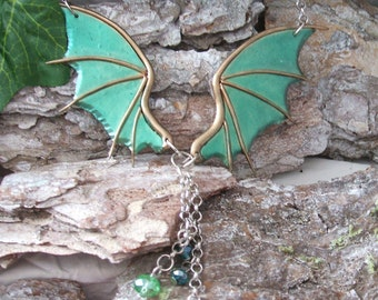 Green Dredge Wings Necklace