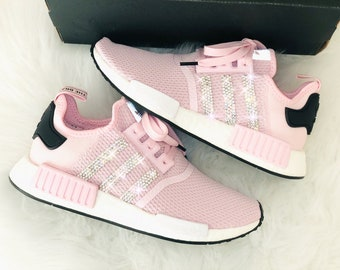 cb605153283b69 Crystal WMNS Adidas NMD R 1 W Luxus Sneakers mit Swarovski Elements rosa  pink bling customized shoes sneaker