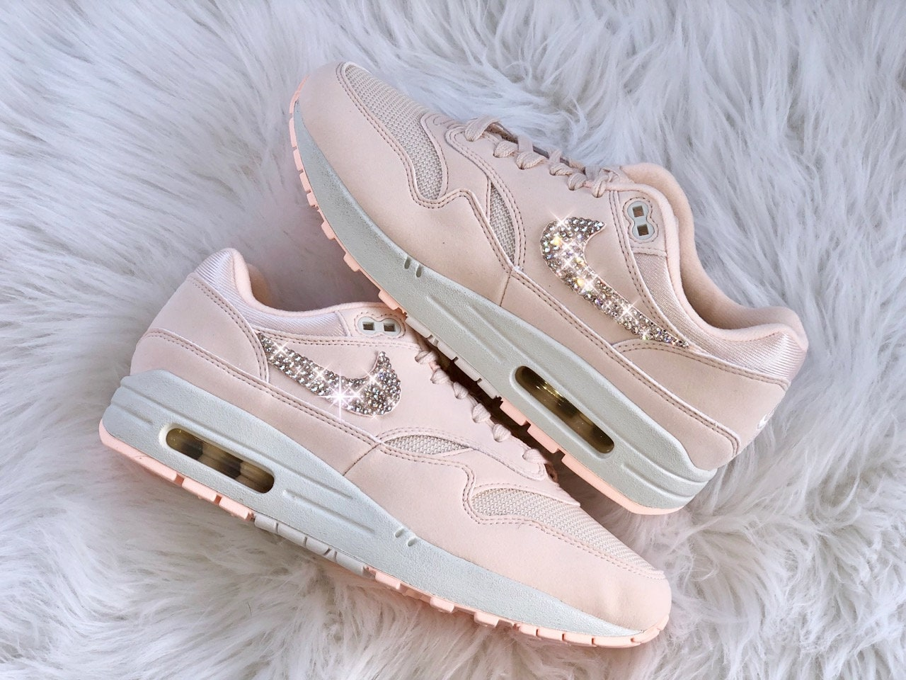 55a88a5d9ff55 WMNS Nike Air Max 1 Guava Ice mit Swarovski Elements Luxus   Etsy