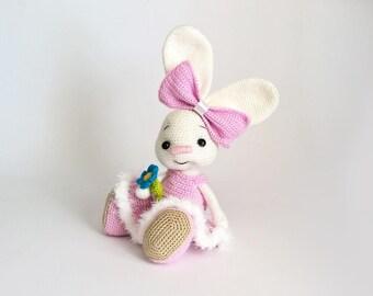Honey Bunny Amigurumi Dress-Up Doll with Garden Play Mat: Crochet ...   270x340