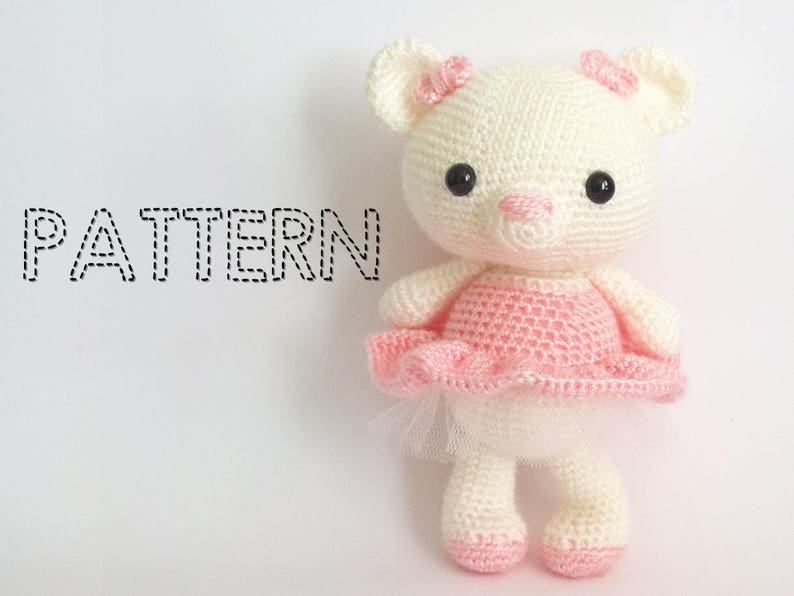 SALE / Maltese Amigurumi Dog Crochet Dog from Inugurumi on Etsy | 596x794