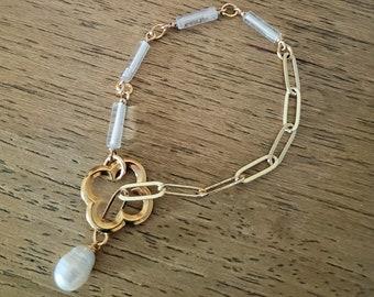 toggle bracelet, pearl bracelet, clover charm, chain bracelet, quartz stone, adjustable, gift, bridesmaids, pendant bracelet, anklet, bead