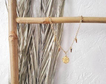 gold chain necklace, pendant necklace, charm necklace, coin necklace, spike necklace, gold, luxury, statement, collar, gift, gift, nautical
