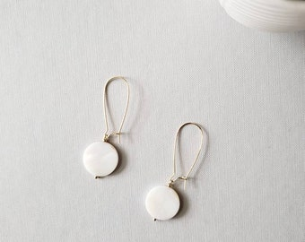 dangle earring, drop earring, shell, mother of pearl, pearl earring, geometric, wedding, bridesmaids, gold jewelry, gift, holiday, cirle