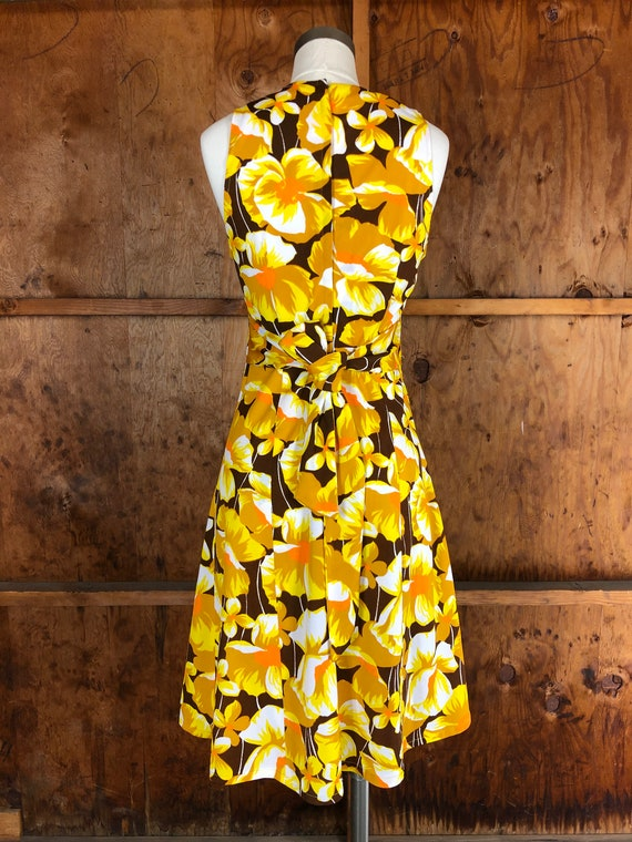 Vintage 70s Bright Yellow Floral A-Line Dress - image 8