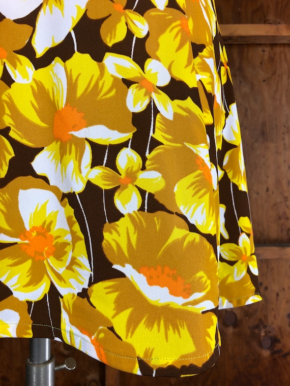 Vintage 70s Bright Yellow Floral A-Line Dress - image 4