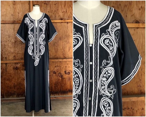 Vintage 60s Black & White Embroidered Kaftan Dress