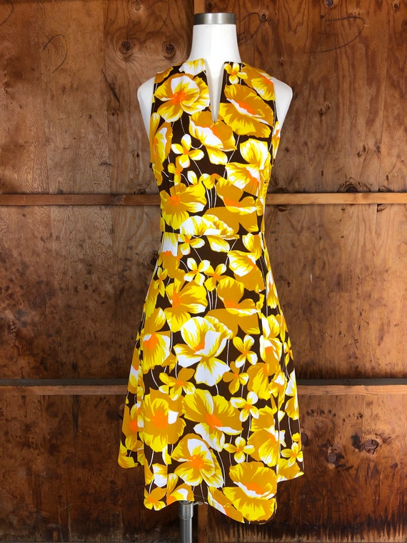 Vintage 70s Bright Yellow Floral A-Line Dress - image 2