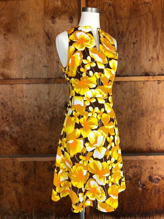 Vintage 70s Bright Yellow Floral A-Line Dress - image 6