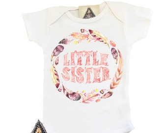 LITTLE SISTER with Feathers Pregnancy Announcement Bodysuit / Pregnancy announcement / boho feathers arrow glitter hippie big sis/little sis