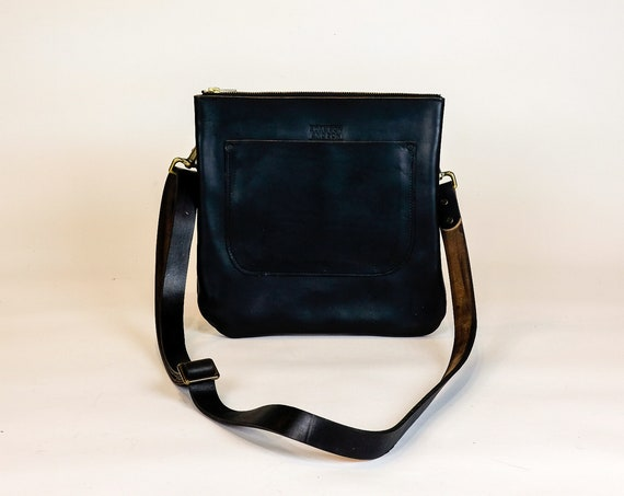 Leather Crossbody Purse made with Horween Black Chromexcel / leather shoulder bag