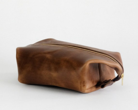 Leather Dopp Kit / Toiletries Bag / Travel case / Shave Bag in Horween Natural Chromexcel