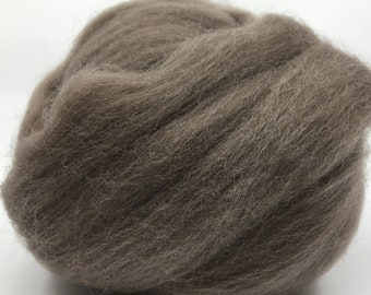 Pewter Corriedale 2 oz World of Wool Roving for Felting Spinning Fiber Arts