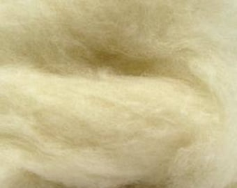 Natural White Bulky Carded Corriedale One Ounce for Needle Felting
