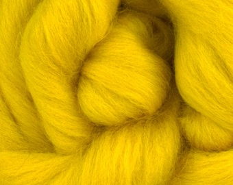 Buttercup Corriedale 2 oz  Roving for Felting Spinning Fiber Arts