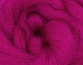 Berry  Corriedale 2 oz World of Wool Roving for Felting Spinning Fiber Arts
