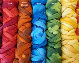 Floating Colors 100 grams 19-micron merino roving for felting, spinning, fiber arts