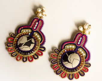 Gold kitsch earrings GRAND/  Beaded colorful earrings with pearls / Embroidered jewelry clip on earrings for her