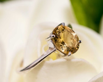 SALE - Sterling silver and citrine ring - citrine gemstone ring / solitaire ring / gold gemstone / citrine jewellery