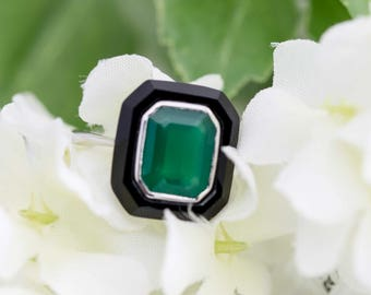 Art deco black onyx and green agate ring in white gold setting - Square ring, Black onyx ring, art deco ring, Emerald cut ring