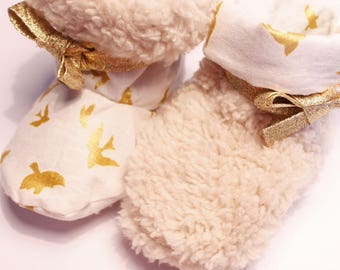 1 to 12 month reversible Sheepskin slippers / Golden wig