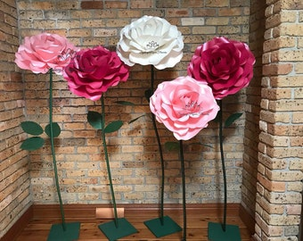 freestanding ROSE paper flower VIDEO tutorial and templates giant/Paper flower pattern/pdf svg paper flower/paper flowers/flower on a stem